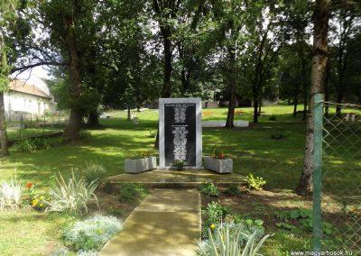 Szalaszend világháborús emlékmű 2014.08.24. küldő-kalyhas (1)