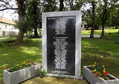 Szalaszend világháborús emlékmű 2014.08.24. küldő-kalyhas (2)