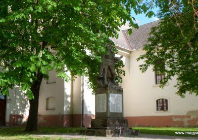 Szalkszentmárton I.vh emlékmű 2012.04.26. küldő-baloghzoli (5)