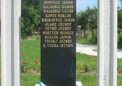 Szalonna világháborús emlékmű 2008.08.13. küldő-Tamás2 (2)