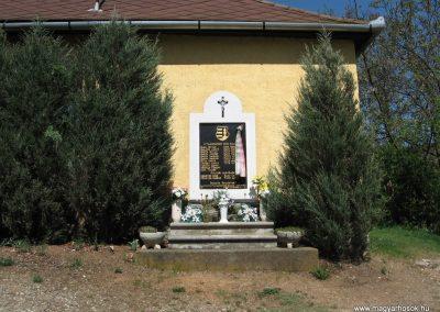Szarvaskő II.vh emlékmű 2009.04.25. küldő-kalyhas