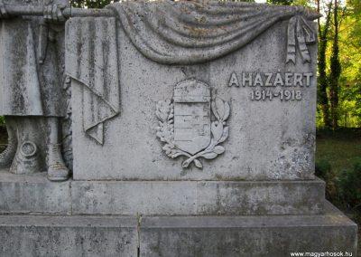 Szatymaz I.vh emlékmű 2011.08.16. küldő-kalyhas (3)