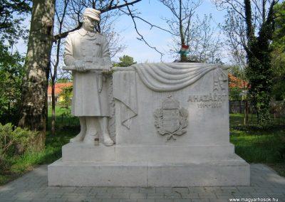 Szatymaz felújított I. világháborús emlékmű 2017.04.14. küldő-Emese (1)