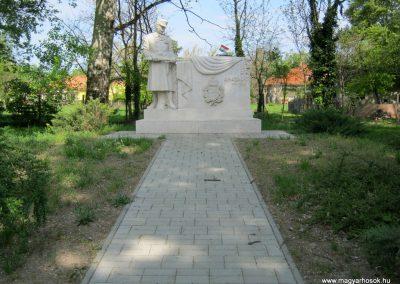 Szatymaz felújított I. világháborús emlékmű 2017.04.14. küldő-Emese