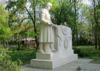 Szatymaz felújított I. világháborús emlékmű 2017.04.14. küldő-Emese (6)