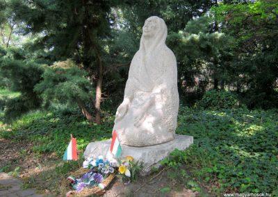 Szatymaz felújított II. világháborús emlékmű 2017.04.14. küldő-Emese (1)