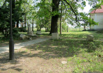 Szatymaz felújított II. világháborús emlékmű 2017.04.14. küldő-Emese