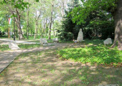 Szatymaz felújított II. világháborús emlékmű 2017.04.14. küldő-Emese (6)