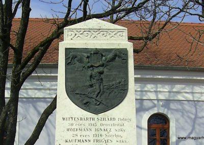 Szederkény I.vh emlékmű 2011.03.21. küldő-Bagoly András (2)