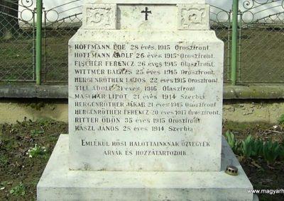 Szederkény I.vh emlékmű 2011.03.21. küldő-Bagoly András (4)