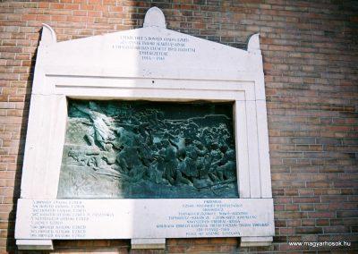 Szeged 5. honvéd gyalogezred I. világháborús emléktáblája 2015.06.19. küldő-Emese (1)