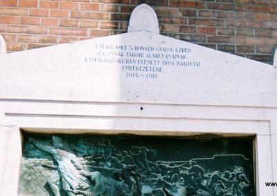 Szeged 5. honvéd gyalogezred I. világháborús emléktáblája 2015.06.19. küldő-Emese (2)