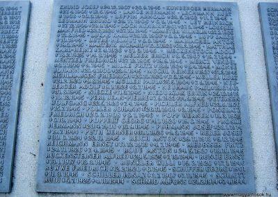 Szeged Belvárosi temető II. világháborús emlékmű, emléktáblák és sírok 2014.08.17. küldő-Emese (10)