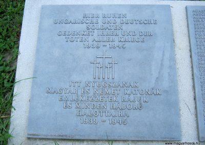 Szeged Belvárosi temető II. világháborús emlékmű, emléktáblák és sírok 2014.08.17. küldő-Emese (7)