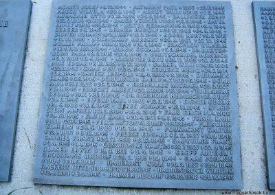 Szeged Belvárosi temető II. világháborús emlékmű, emléktáblák és sírok 2014.08.17. küldő-Emese (8)