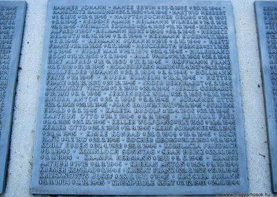 Szeged Belvárosi temető II. világháborús emlékmű, emléktáblák és sírok 2014.08.17. küldő-Emese (9)