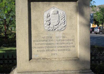Szeged-Kiskundorozsma I.vh emlékmű 2011.08.20. küldő-kalyhas (3)