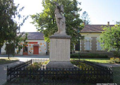 Szeged-Kiskundorozsma I.vh emlékmű 2011.08.20. küldő-kalyhas (8)
