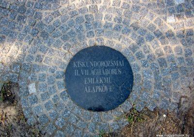 Szeged-Kiskundorozsma II.vh emlékmű 2011.08.20. küldő-kalyhas (3)