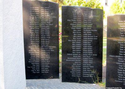 Szeged-Kiskundorozsma II.vh emlékmű 2011.08.20. küldő-kalyhas (8)