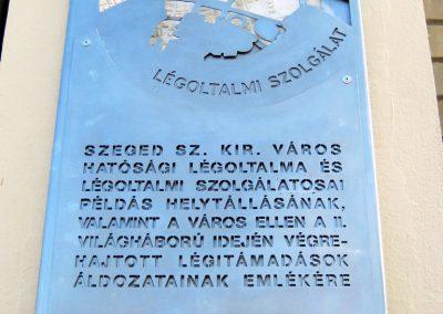 Szeged Mentőállomás - volt tűzoltó laktanya - II. világháborús emléktábla 2014.08.16. küldő-Emese (2)