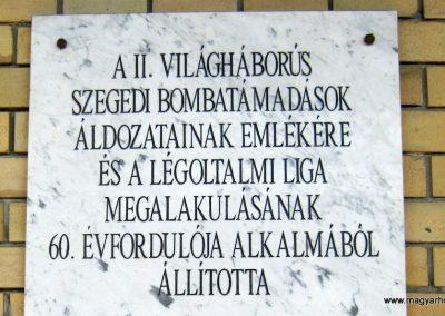 Szeged Nagyállomás II. világháborús emléktábla 2014.07.14. küldő-Emese (2)