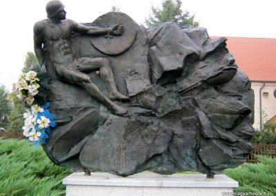 Szeged-Tápé II. világháborús emlékmű 2014.09.21. küldő-Emese (1)