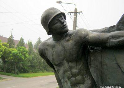 Szeged-Tápé II. világháborús emlékmű 2014.09.21. küldő-Emese (2)