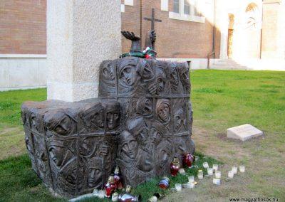 Szeged - gulágra elhurcolt áldozatok emlékműve 2016.12.10. küldő-Emese (2)