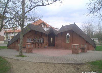Szeghalom II.vh emlékmű 2008.04.10.küldő-egy Magyar anya