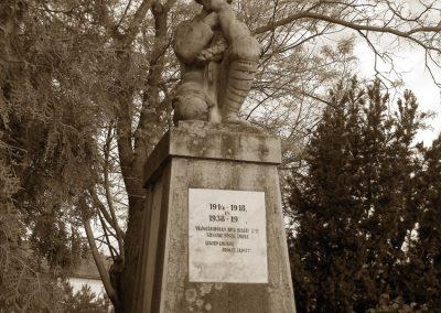 Szegvár világháborús emlékmű 2008.06.04.küldő-V3t3r4n (2)