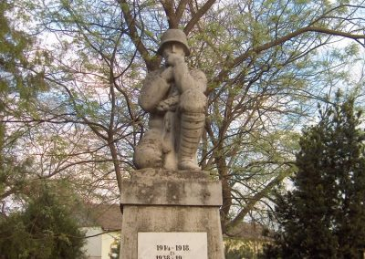 Szegvár világháborús emlékmű 2008.06.04.küldő-V3t3r4n