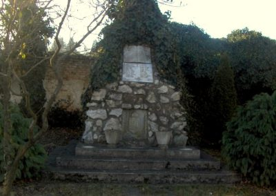 Szeleste - Alsószeleste világháborús emlékmű 2009.01.07.küldő-gyurkusz