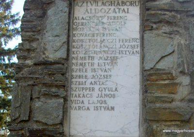 Szeleste - Felsőszeleste világháborús emlékmű 2009.01.07. küldő-gyurkusz (2)