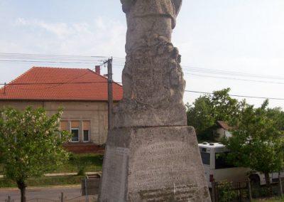 Szelevény I.vh emlékmű 2009.05.14.küldő-miki (3)