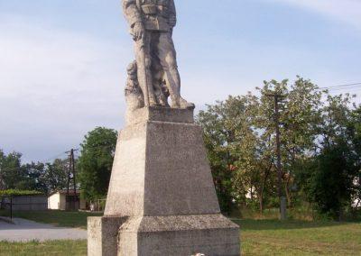 Szelevény I.vh emlékmű 2009.05.14.küldő-miki