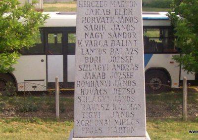 Szelevény II.vh emlékmű 2009.05.14. küldő-Miki (6)