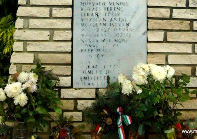 Szemenye világháborús emlékmű 2012.01.18. küldő-Süket Sándor (3)