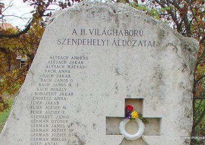 Szendehely II.vh emlékmű 2003.11.01. küldő-Pfaff László, Rétság (1)