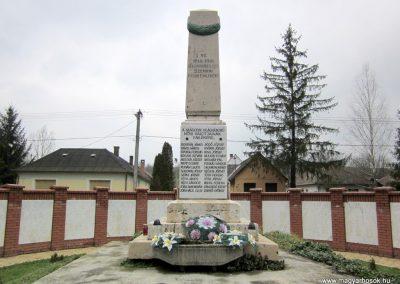 Szenna világháborús emlékmű 2013.03.31. küldő-kalyhas (1)