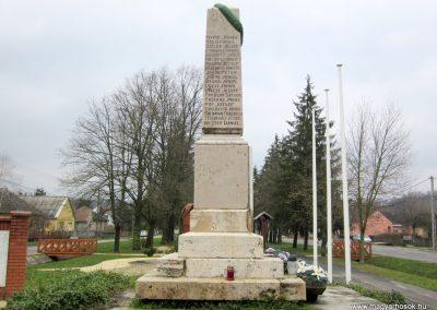 Szenna világháborús emlékmű 2013.03.31. küldő-kalyhas (3)