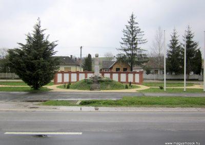 Szenna világháborús emlékmű 2013.03.31. küldő-kalyhas