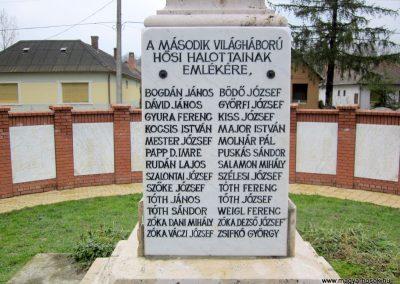 Szenna világháborús emlékmű 2013.03.31. küldő-kalyhas (7)