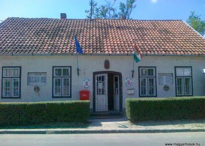 Szentantalfa világháborús emléktáblák 2010.08.12. küldő-Csiszár Lehel