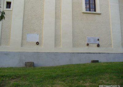 Szentbékkálla világháborús emléktáblák 2009.07.28.küldő-HunMi