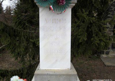 Szente világháborús emlékmű 2012.03.08 küldő-kalyhas (4)