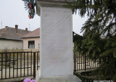 Szente világháborús emlékmű 2012.03.08 küldő-kalyhas (6)