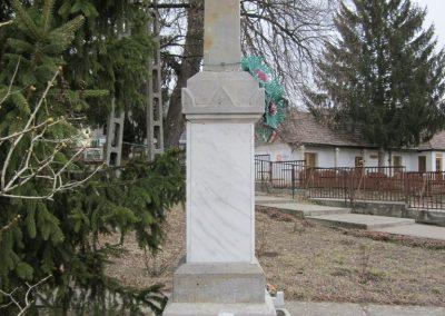 Szente világháborús emlékmű 2012.03.08 küldő-kalyhas (7)