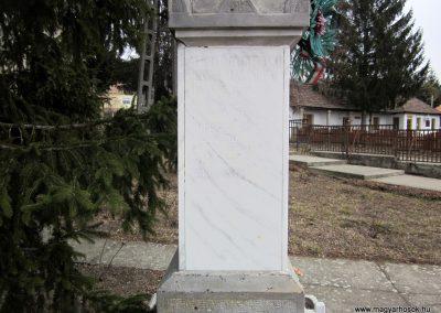 Szente világháborús emlékmű 2012.03.08 küldő-kalyhas (8)