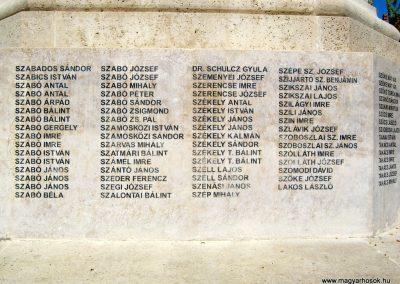 Szentes Erzsébet tér felújított I. világháborús emlékmű 2018.09.18. küldő-Bali Emese (14)